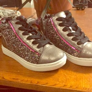 Steve Madden side zip sneakers nwot